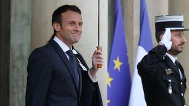 Emmanuel Macron le 15 novembre 2019 sur le parvis de l'Élysée