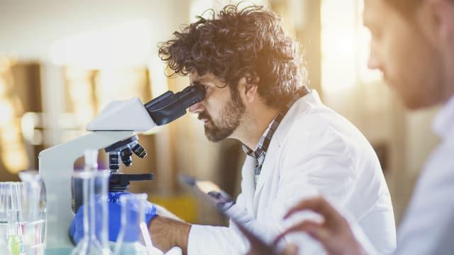 La résistance aux antibiotiques constitue aujourd'hui l'une des plus graves menaces pesant sur la santé mondiale. - iStock - sanjeri