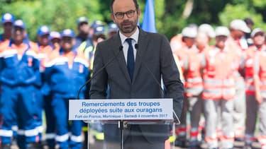 En tournée aux Antilles françaises, Édouard Philippe a promis d'indemniser les agriculteurs victimes des ouragans Irma et Maria.