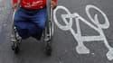 Le président Nicolas Sarkozy a annoncé lundi que le rythme de hausse de l'allocation adulte handicapé (AAH) serait maintenu pour atteindre 25% sur la durée de son quinquennat. /Photo d'archives/REUTERS