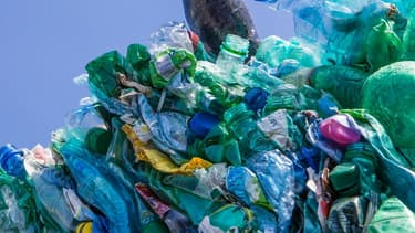 Suez Environnement compte bien doubler sa production de plastiques recyclés d'ici 5 ans.