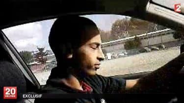 Mohamed Merah, après un rodéo en voiture, dans une vidéo datant de mars 2012 que France2 s'est procuré. (Capture France2)