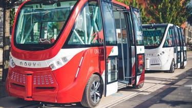 Des navettes électriques sans conducteur Navya circulent depuis le mois dernier dans le quartier lyonnais de Confluence, dans le cadre d'une expérimentation d'un an menée en partenariat avec Keolis.