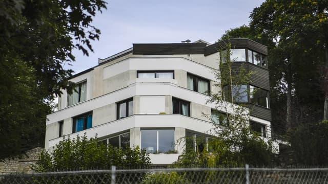 Le footballeur brésilien s'est installé dans une banlieue cossue à l'ouest de Paris