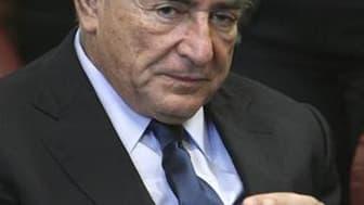 Les accusations portées contre Dominique Strauss-Kahn, inculpé pour agression sexuelle contre une femme de chambre d'un hôtel de New York, sont sur le point de s'effondrer, écrit jeudi le New York Times. /Photo prise le 6 juin 2011/REUTERS/Allan Tannenbau