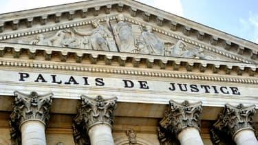 """Entrée du Palais de justice d'Amiens. Dans la Somme, la justice parie sur le dispositif de """"suivi judiciaire renforcé"""" pour """"s'attaquer aux racines"""" de la délinquance"""