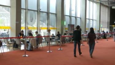 Un espace de révision dédié aux élèves de terminale qui préparent le baccalauréat à la BNF à Paris