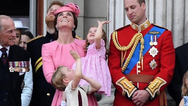 Kate, William et leurs enfants George et Charlotte, au balcon de Buckingham, le 17 juin 2017.