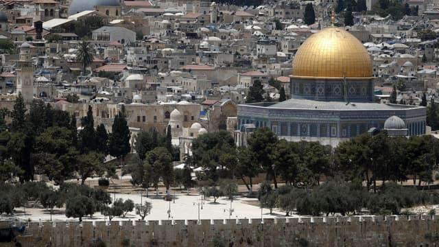 Le Dôme du Rocher de la mosquée Al-Aqsa dans la vieille ville de Jérusalem, le 17 juillet 2017.