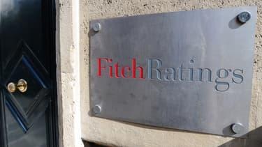 Fitch Ratings envisage, à son tour, d'abaisser la note de la France.