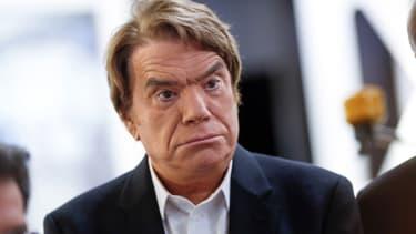 Bernard Tapie demande des indemnités de 1 milliard d'euros, fidèle à sa logique selon laquelle il aurait obtenu beaucoup plus que les 400 millions de l'arbitrage devant un tribunal classique.