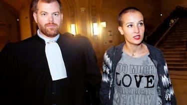 L'ex-Femen Amina Seboui et son avocat Martin Pradel, le 8 octobre 2014.