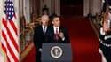Discours de Barack Obama, aux côtés du vice-président américain Joe Biden, à la Maison blanche, après le vote de la Chambre des représentants qui a adopté dimanche la réforme du système de santé américain. Le projet, déjà adopté par le Sénat, d'une ampleu