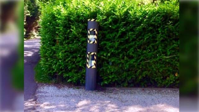 Cet habitant d'Azur dans les Landes a installé ce faux radar devant chez lui