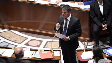 """Manuel Valls va devoir calmer les ardeurs des """"frondeurs"""" de la majorité."""