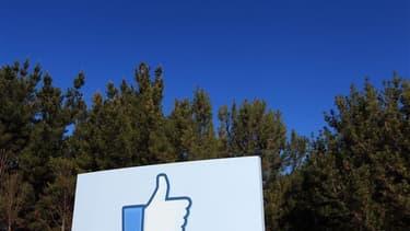 Au siège de Facebook à Menlo Park, en Californie. Facebook a soumis mercredi aux autorités boursières américaine son très attendu projet d'introduction en Bourse représentant cinq milliards de dollars (3,8 milliards d'euros). Le premier site communautaire