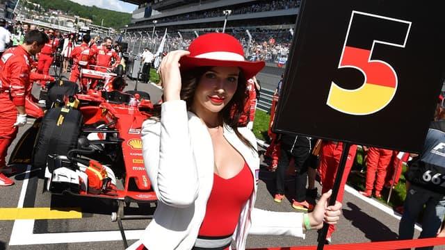 Une grid girl lors du GP de Russie