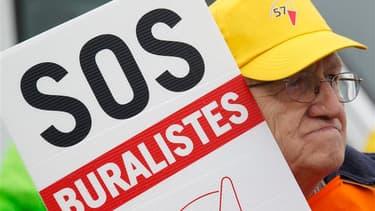 Quelque 500 buralistes français ont manifesté jeudi à Strasbourg, du centre-ville au Parlement européen, pour protester contre la hausse des prix du tabac et demander une harmonisation des taxes dans l'Union européenne. Selon les manifestants, 20.000 empl