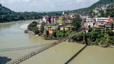 Photo du pont piéton Lakshman Jhula, à Rishikesh