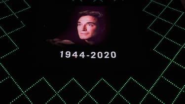 Un hommage à Roy Horn sur la façade d'un hôtel à Las Vegas