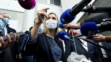 La ministre de l'Industrie Agnès Pannier-Runacher annonce la fermeture de l'usine Bridgestone à Béthune, le 12 novembre 2020