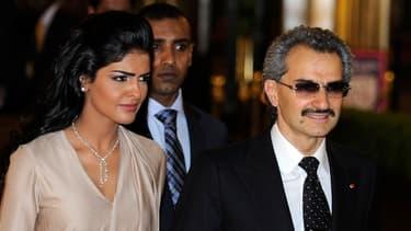 La fortune du prince Al-Walid, ici accompagné de sa femme, aurait été sous-estimée par Forbes dans son classement annuel.