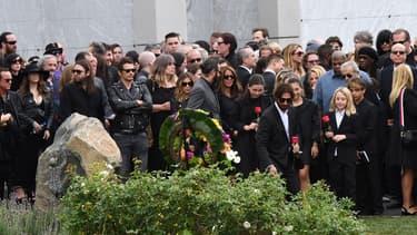 Les célébrités venues rendre hommage à Chris Cornell lors de ses funérailles vendredi à Los Angeles.