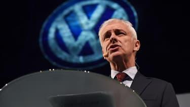 Malgré le scandale des émissions polluantes, Matthias Müller anticipe une croissance solide pour cette année.