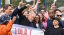 L'ancien président Lula à sa sortie de prison à Curitiba ce vendredi 8 novembre.