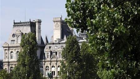 L'Hôtel de Ville de Paris. L'UMP a accepté d'assumer financièrement l'essentiel du protocole d'indemnisation conclu entre les avocats de Jacques Chirac et la ville de Paris pour des emplois fictifs à l'époque où l'ancien président était maire de la capita