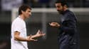 Gianluigi Buffon en discussions avec Leonardo, l'ancien joueur du PSG, lundi soir à Milan