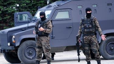 Les forces spéciales de la police turque. Illustration