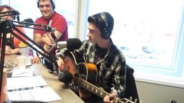 Le jeune canadien David Thibault a la voix d'Elvis.