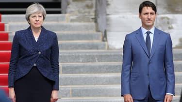 """Juste avant sa rencontre avec Justin Trudeau, Theresa May a indiqué qu'il y avait """"énormément de choses à discuter"""" dans les relations bilatérales avec le Canada."""