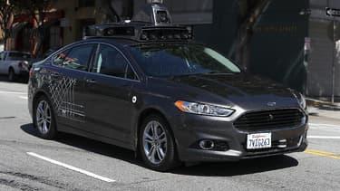 Un véhicule autonome Uber circulant dans les rues de San Francisco. (image d'illustration)