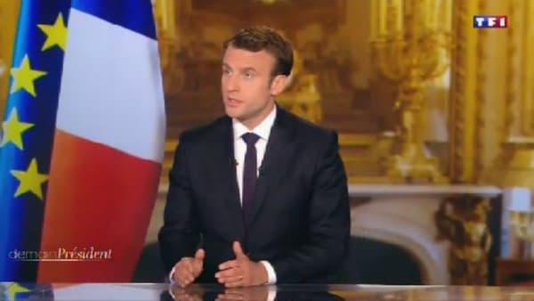 Emmanuel Macron sur le plateau du 20h de TF1 le 17 avril 2017.