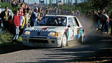 Cette voiture de légende, ici pilotée par Ari Vatanen au rallye du Portugal, est à vendre en mai prochain à Monaco.