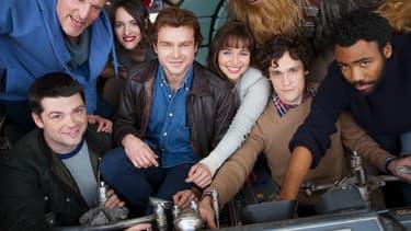 Les acteurs du spin-off sur Han Solo, en compagnie des deux anciens réalisateurs (en t-shirt gris et en pull beige)