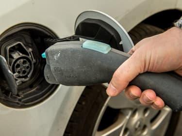 Aides, démarches, comment préparer son garage pour l'arrivée de sa voiture électrique ?