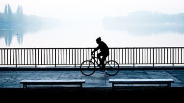 Jugée sexiste, une campagne de publicité lancée en Allemagne par le ministère des Transports pour convaincre les cyclistes de porter un casque a provoqué un tollé