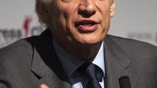 L'ancien Premier ministre Dominique de Villepin se dit déterminé à maintenir sa candidature jusqu'au bout et à se présenter à l'élection présidentielle de 2012, et assure que sa démarche n'est dictée par aucune animosité envers Nicolas Sarkozy, qu'il a af
