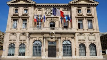 Image de la façade de la mairie de Marseille