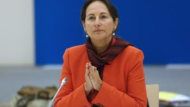 Ségolène Royal veut que les autoroutes participent plus au financement d'infrastructures routières.