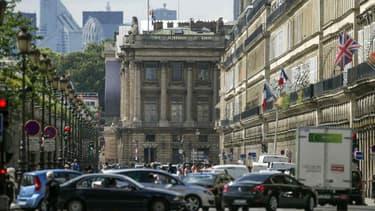 1200 caméras relèvement une quinzaine d'infractions à la circulation à Paris.