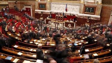 Des huissiers se sont interposés pour calmer des députés UMP dans l'hémicycle