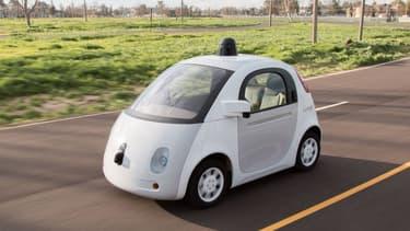 L'un des prototypes de voiture autonome sans volant ni pédale de Google.