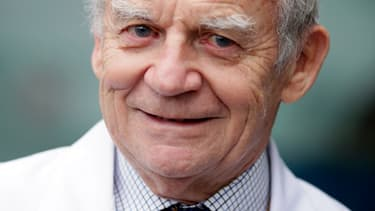 Le professeur Alain Carpentier, père du coeur artificiel, avait imputé le décès du premier transplanté cardiaque de Carmat à un court circuit.