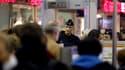 Des policiers déployés à l'aéroport Charles-de-Gaulle. Trois jihadistes présumés sont arrivés en France, mais n'ont pas été arrêtés par les autorités françaises.