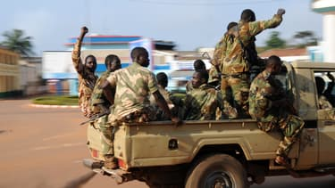 Des soldats patrouillent dans Bangui, le 5 décembre.