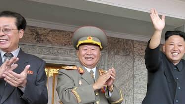 Jang Song-Thaek (à gauche), l'oncle de Kim Jong-un, a été exécuté après avoir été condamné à mort par un tribunal militaire spécial.